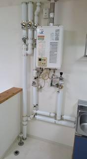 室内の水道管イメージ
