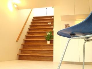 階段(本棚)