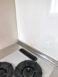 キッチンパネルに焦げ